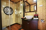 Luxury bathroom Syrena Cruises Halong Bay, Vietnam